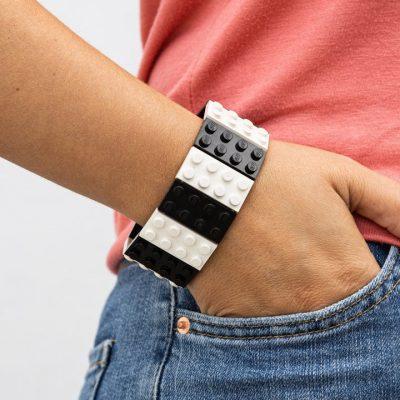 Two-colored brick bracelet 2x4